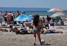 صورة يعاد افتتاح شاطئ Wasaga هذا الأسبوع والمدينة قلقة من حجم التجمعات